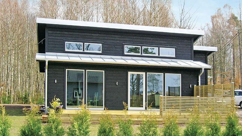 Nybygget sommerhus ved Bolmen til 10 personer udlejes