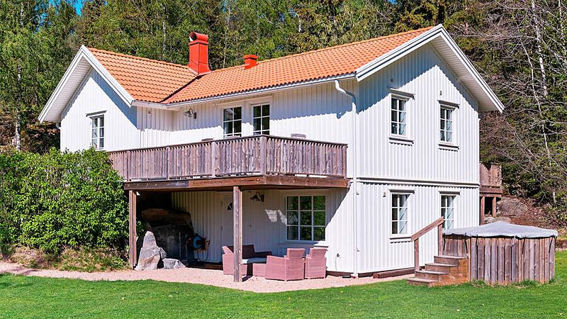 Sommerhus til 10 personer nær skov og hav ved Uddevalla