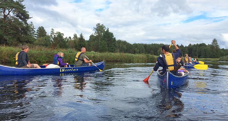Padl kajak eller kano på Emån i Småland