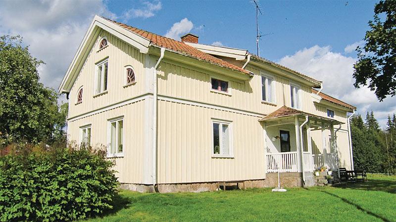 Tidligere landejendom til 10 personer i Småland