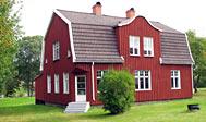 Smukt renoveret sommerhus ved Silverån i Lönneberga Småland