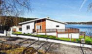 Sommerhus til 10 personer med søudsigt nær Borås